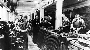 Italiani impiegati in una fabbrica tedesca