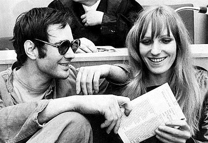 Andreas Baader (25) und Gudrun Ensslin in der Anklagebank vor der Urteilsverkuendung im Brandstifter-Prozess in Frankfurt am 31. Oktober 1968. Die zwei Angeklagten erhielten je Drei Jahre Zuchthaus.  (AP-Photo) 31.10.1968