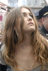 occupy-wall-street-pretty-girl-arrested1