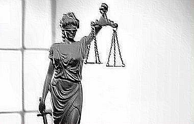 giustizia statua