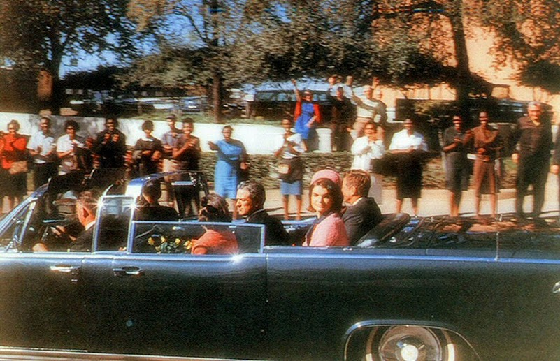 16 Croft Photo Showing JFK's Car On Elm Street