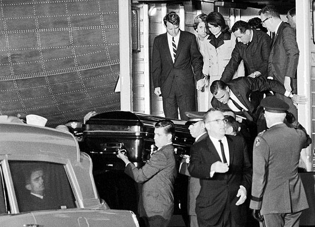 Casket Comes Off AF1 Nov. 22, 1963