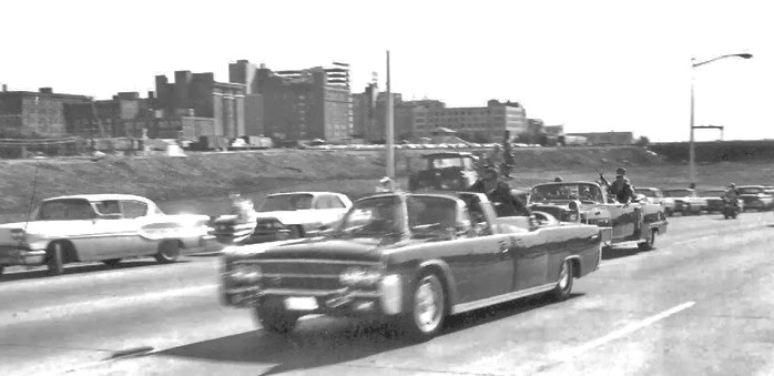 JFK-Limo-On-Stemmons-Freeway-11-22-63
