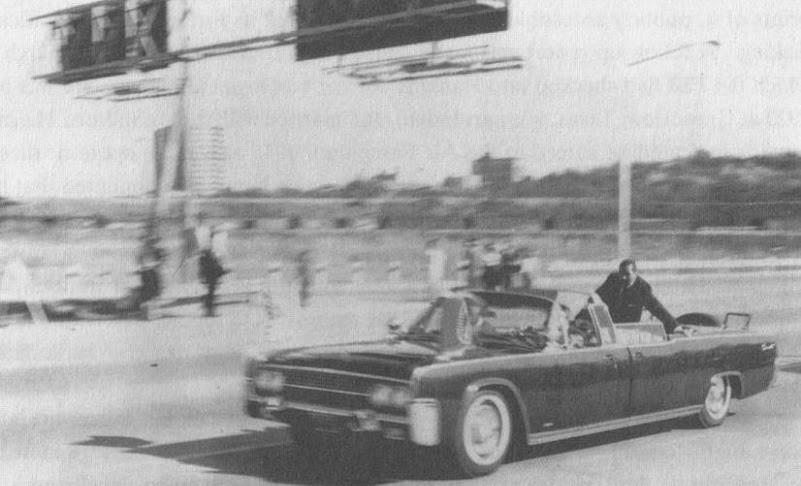 Limo On Stemmons Freeway