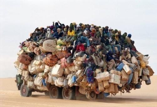 immigrati_deserto