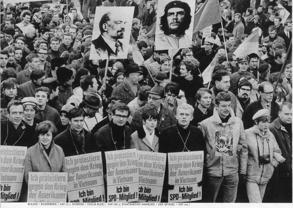 manifestazione-a-berlino-contro-guerra-in-vietnam-1968