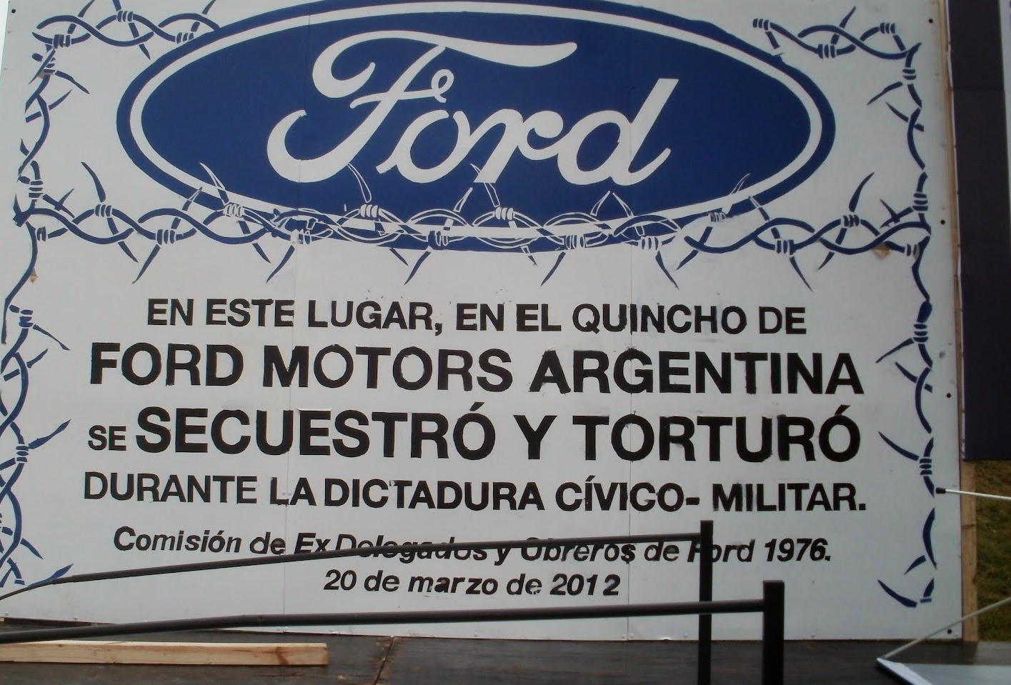 placa-desap-ford-2012-002