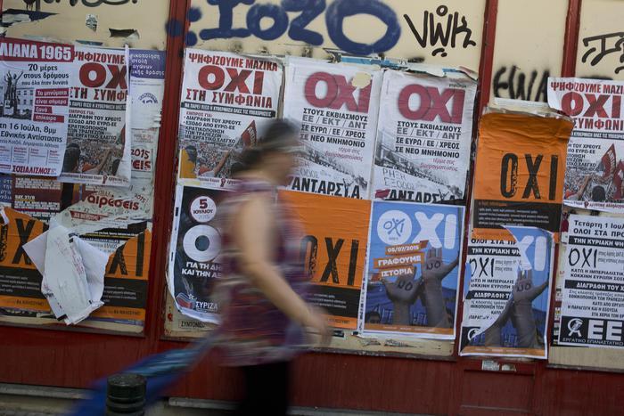 Grecia: nuovo sondaggio, testa a testa tra Sì e No