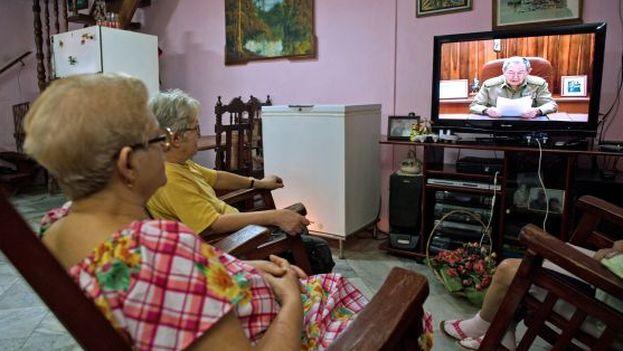 1viendo-television